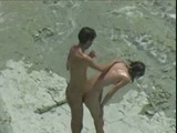 Amateur couple caught fucking at the beach