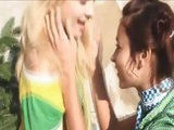 Outdoor Lesbians Finger Pussies
