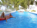 Titty Babe Deep Toying Ass In Pool