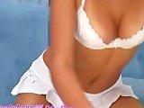 Webcam Girl Fucks Her Wet Pussy