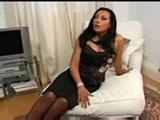 latina morena con dildo  ...