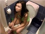 Secret meeting in bathroom - hot fucking
