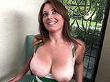 34DD titties right here. Let's fuck her!