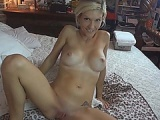 Amateur blonde chick shaved pussy fucked