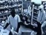 Robbery in London - 3 Shopkeepers vs 2 Street Thugs