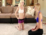 blonde collegeer pipper and her teacher goes pussy fingering