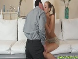 Stepdad takes Mollys pussy from behind